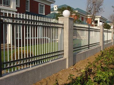 四横杆带双边护栏